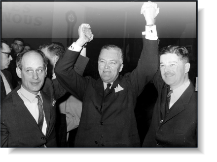René Lévesque, Jean Lesage, Paul Gérin-Lajoie, 1960 minority win for the Quebec Liberals